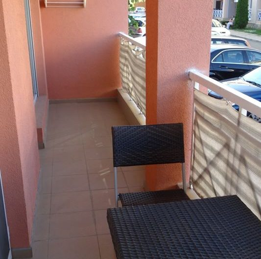 1 bed furnished apartment , Sunny day 6