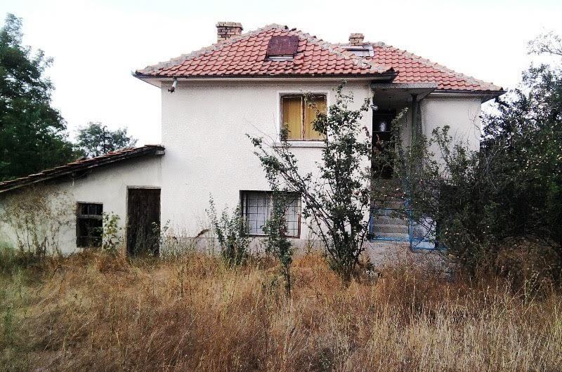 3 Bed House, Karnobat area , Needing some renovation