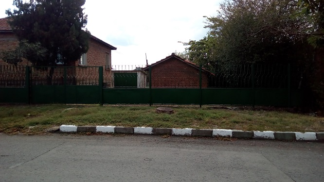 4 roomed house for sale in very good location