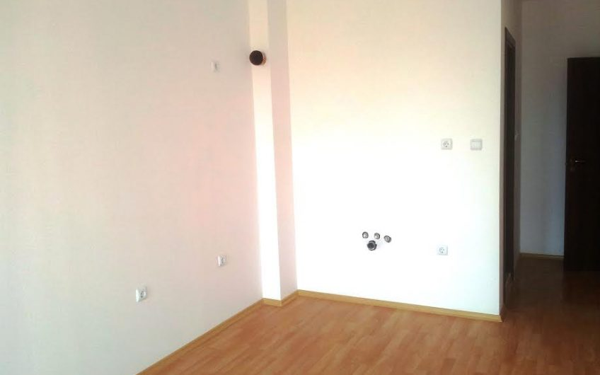 Another Bargain Property, Sunny Day 6 . Studio, Unfurnished,Pool View