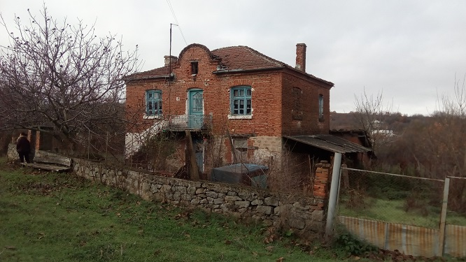 Large 4 bed house at Valchanovo. Burgas province