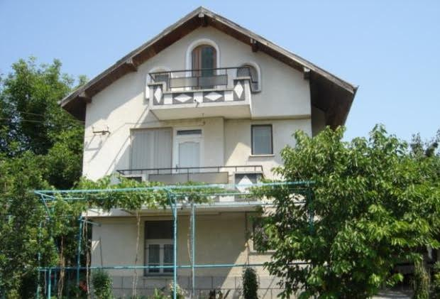 Livada, 3 storey house, Summer kitchen & outbuildings