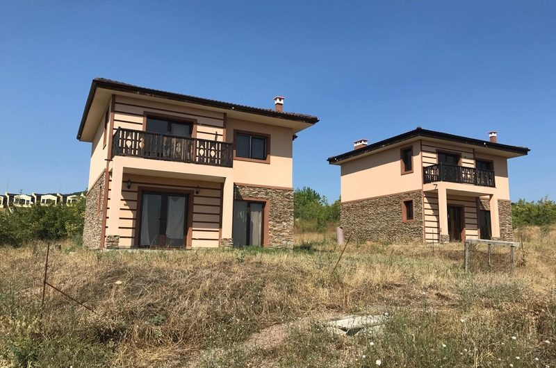 Newly built villas with sea views