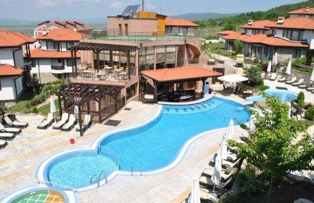 One Bed ground floor furnished apartment at Bay View Villas Kosharitsa
