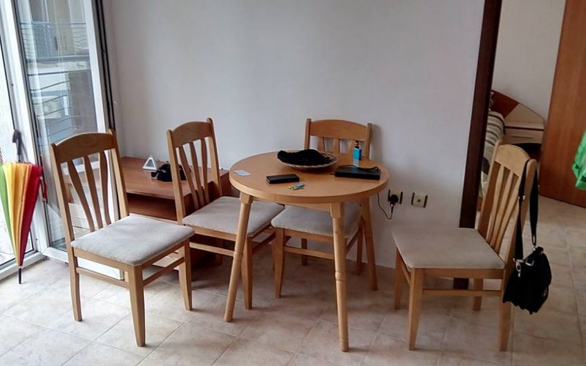 One Stop Property are pleased to offer you this 2 bed fully furnished apartment with large balcony