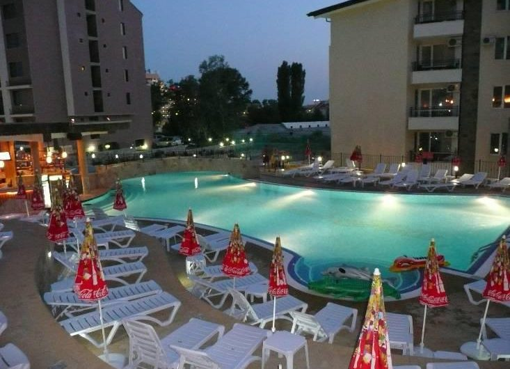 One-bedroom apartment in gated complex Sunny Beach Hills