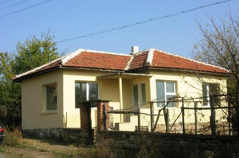 Renovated, 1 bed house for sale