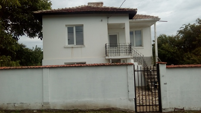 Renovated 3/4 bed home in the village of Livada Burgas