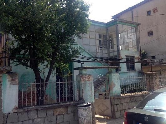 Semi Detached House, Sredets Town Center, For Renovation