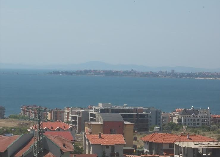 St. Vlas /Intsaraki 'Blue House' building, Stunning Sea Views