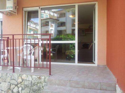 Studio apartment for sale on the Privilege fort beach complex in Elenite