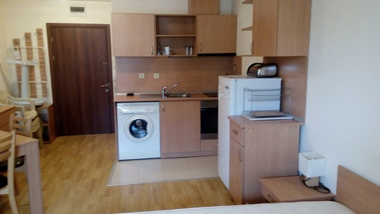 Studio for sale in Panorama Beach complex in Nessebar with pool view