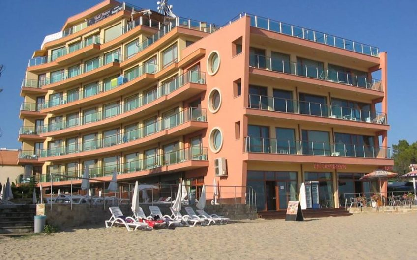 Sunny Bay 1 bed furnished apartment, First line to the sea