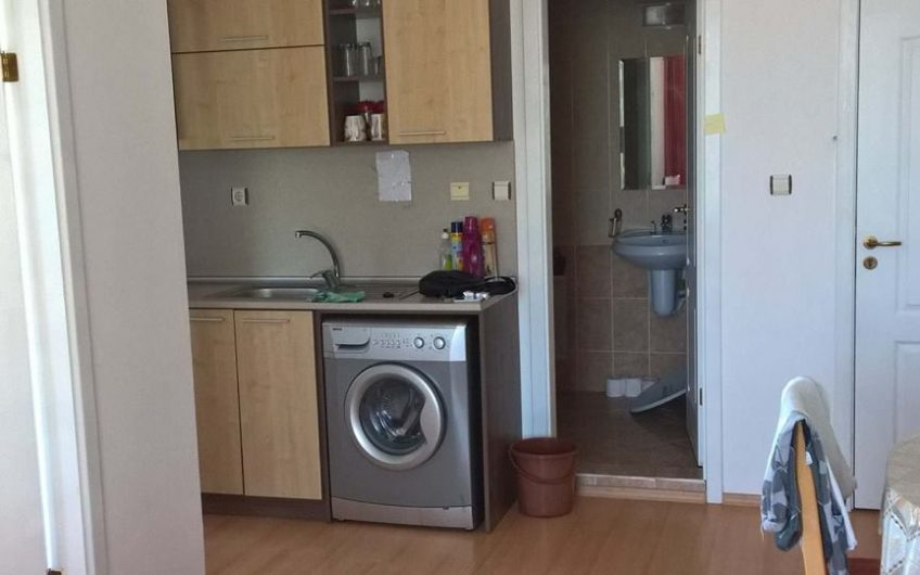 Sunny Day 5 , 2 bed fully furnished apartment with balcony