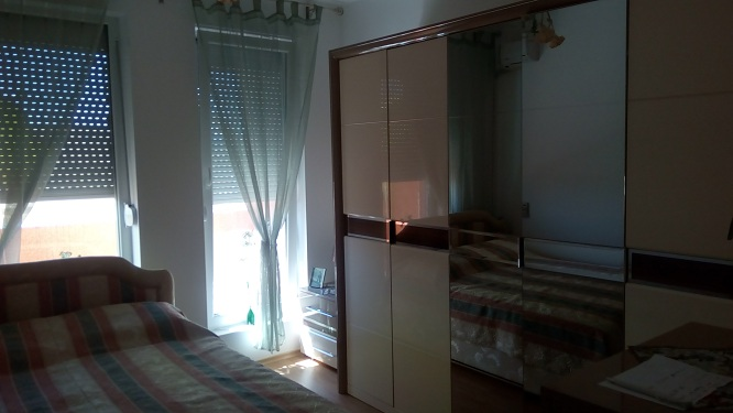 Sunny Day 6, 2 bed fully furnished apartment, Top floor
