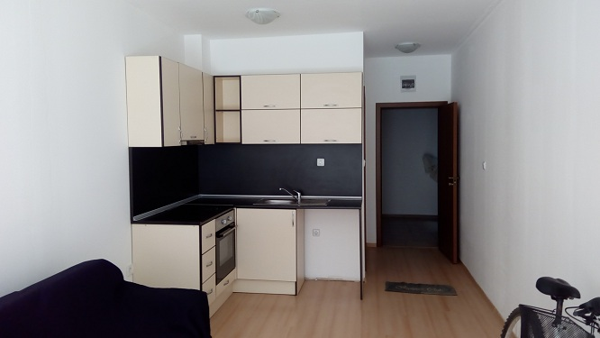 Sunny Day 6, Studio apartment, Part furnished, Ground floor, with air con ,kitchen fitted & balcony