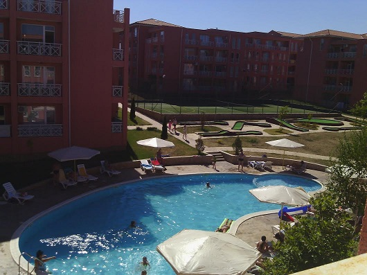 Sunny Day 6,Sunny Beach.Furnished studio, 2nd floor, pool view