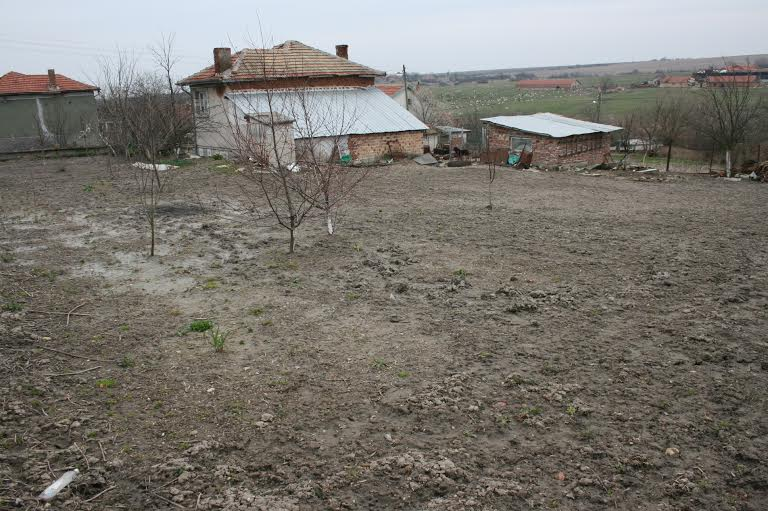 Two-storey house for sale in the village of Samuilovo ( region Stara Zagora)