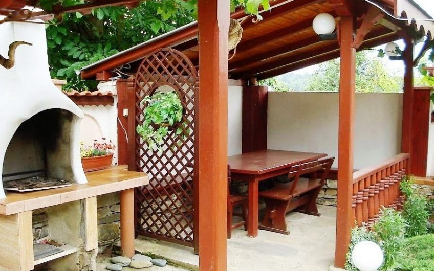 Two-storey renovated house for sale in the village of Kubadin