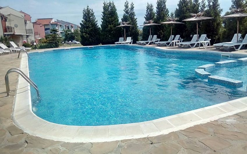Yaltra Complex St Vlas. 1 bed fully furnished ground floor apartment with garden