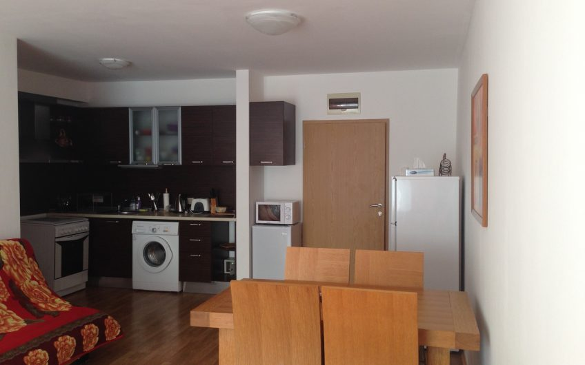 2 bed 2 bathroom apartment located at the luxury vineyards resort. Ground floor with garden, Sold fully furnished.