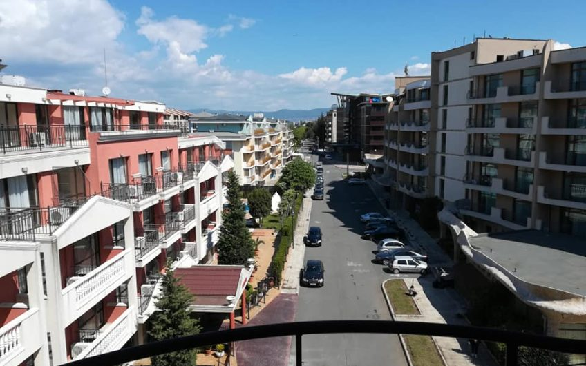 One bed-roomed apartment at Blue Marine , Just 3 minutes to the beach !