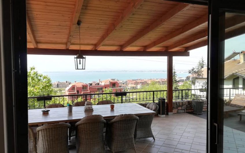 A unique 4 bed home located in Sveti Vlas with amazing sea views!