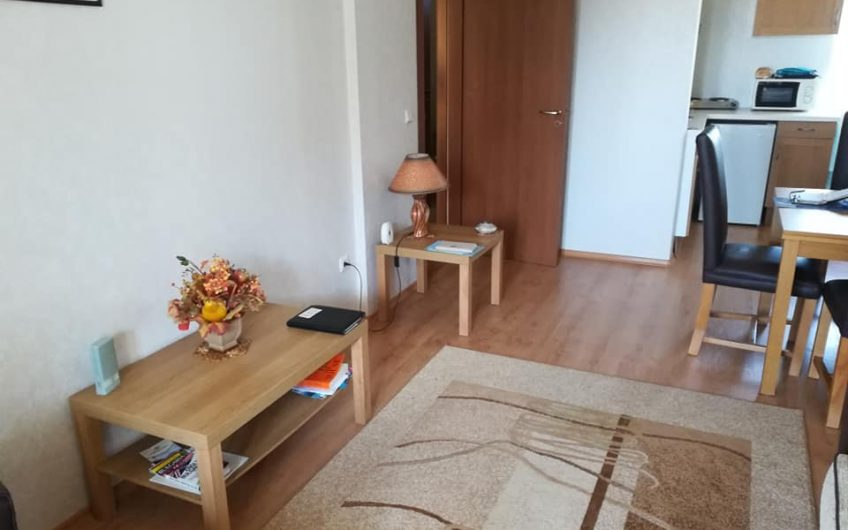 1-bedroom apartment with beautiful views, 200 meters from the beach.