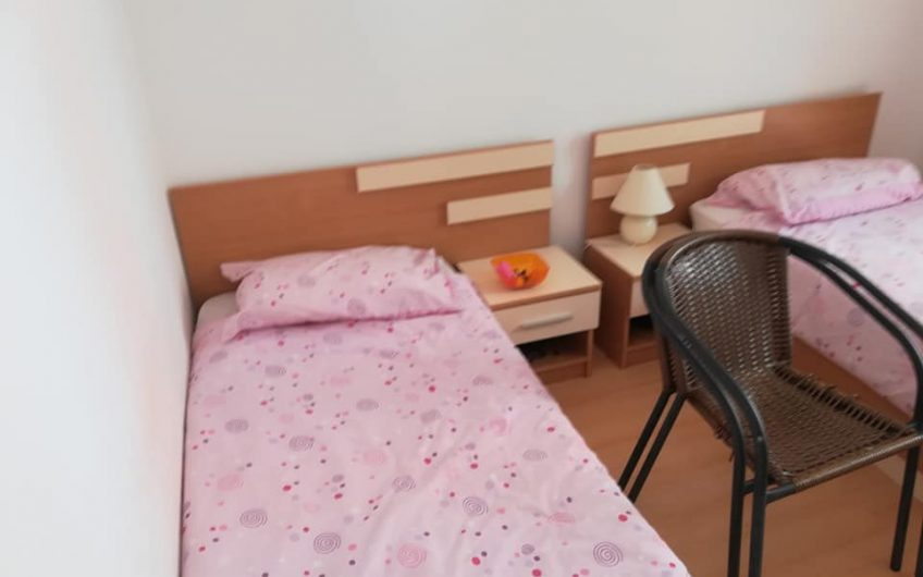 A bargain priced 2 bed apartment, Fully Furnished !