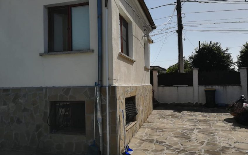 Two houses on one plot with pool in the very popular village of Kableshkovo