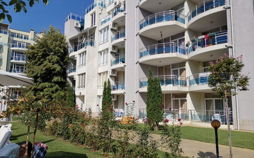 A fully furnished studio apartment with balcony at the Oasis complex at Ravda,First line to the beach