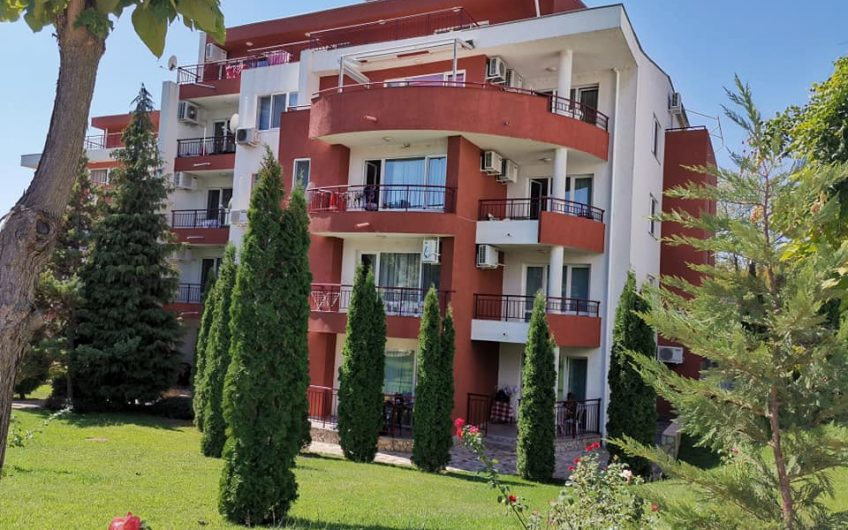 One bed apartment at Green Fort, St Vlas. Great price !