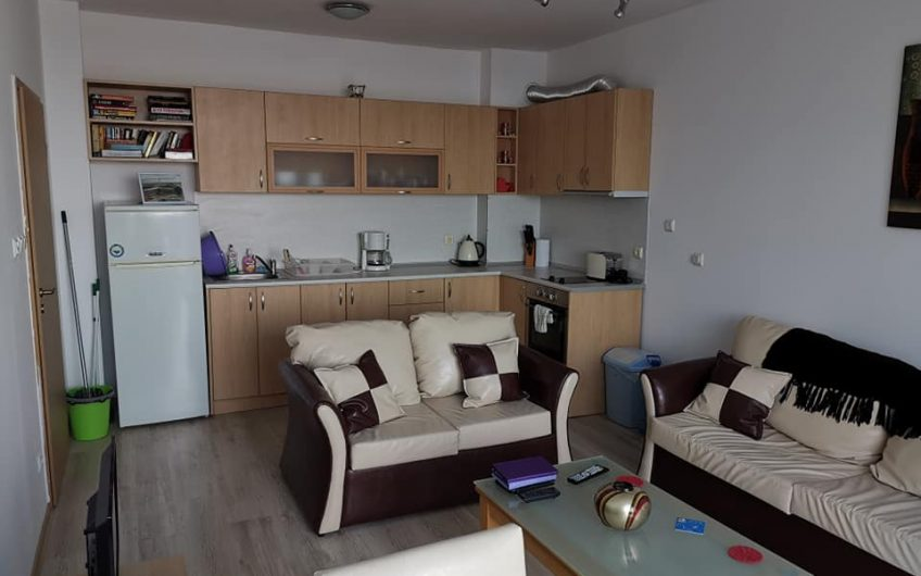 1-Bedroom Apartment at Oasis complex in Ravda with sea views.