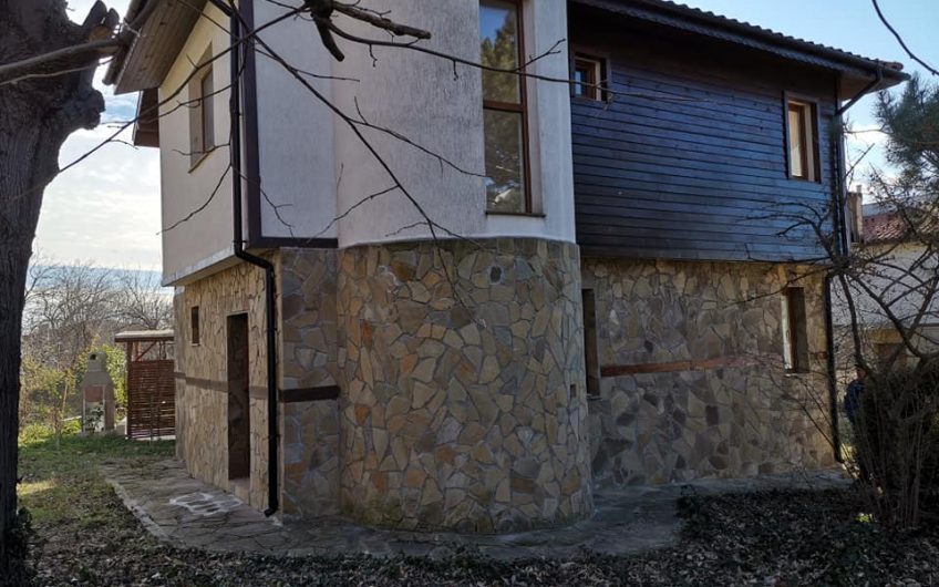 A 3 bed 2 bathroom home located in the village of Goritsa.