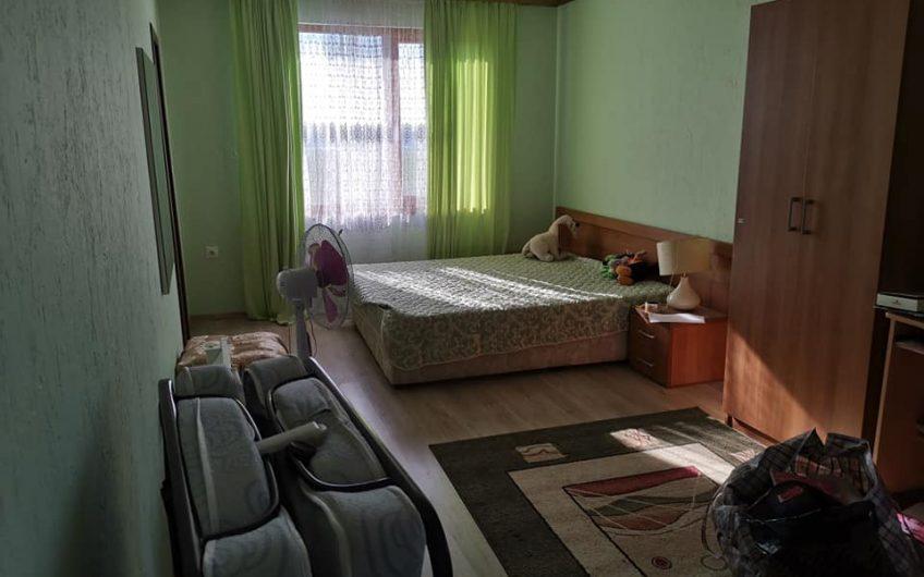 A 2 bed 3 bathroom home located at Kosharitsa.