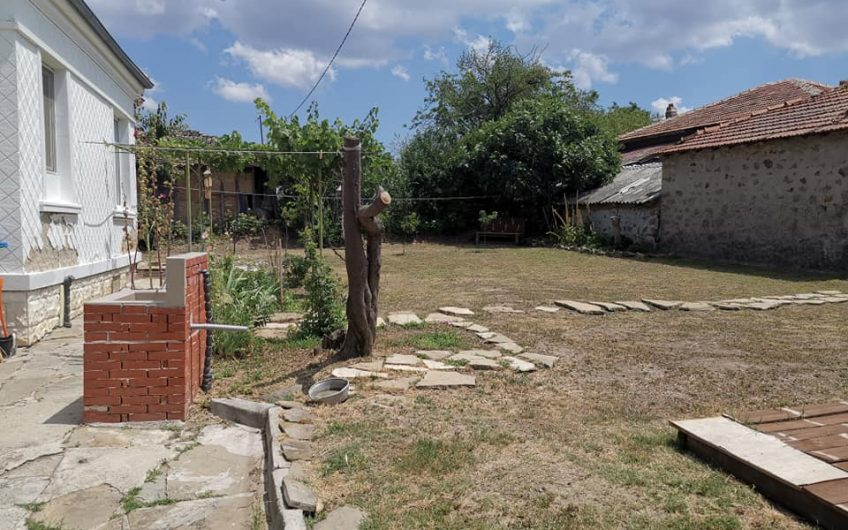 A 2 bed bungalow close to Sunny Beach. The property requires some renovation works.