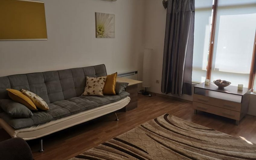 The Vineyards luxury spa resort. A very well presented one bedroom fully furnished apartment with own garden.