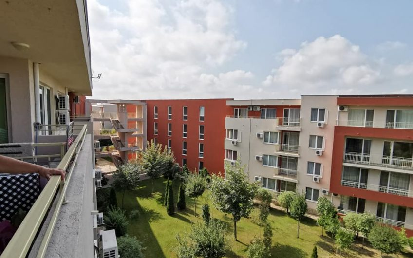 A 1 bed fully furnished 4th floor apartment at the much sought after complex Nessebar Fort Club.