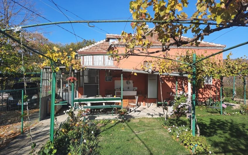 A nicely renovated house in popular village of Orizare.