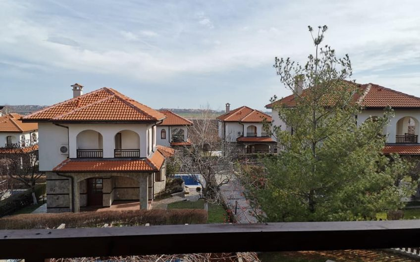 A fabulous 2 bed 3 bathroom villa with pool at the luxurious vineyards resort !