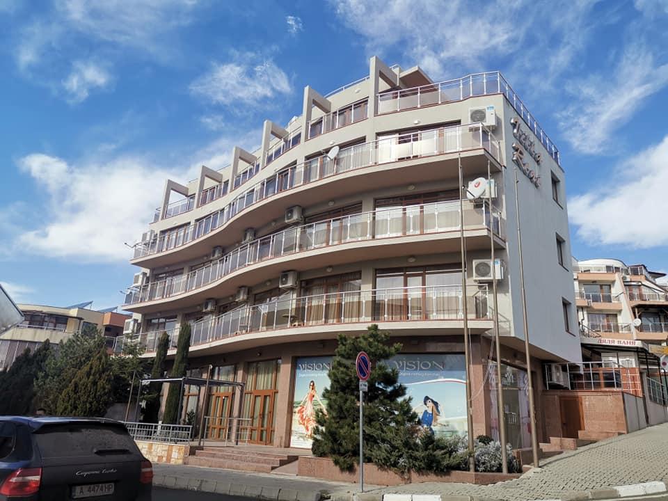four very spacious apartments at Villa reni, Sveti vlas, 1 & 2 beds available from €44,995
