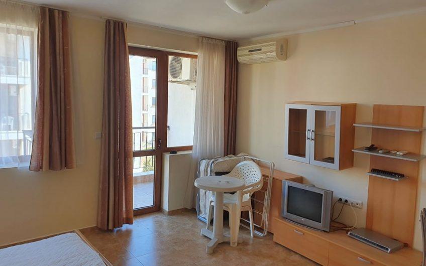 Apollon 3, Ravda , A very spacious studio at a Great price !