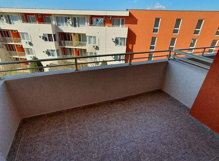 Nessebar Fort Club, Sunny Beach. A 2 bed fully furnished top floor apartment with 2 large balconies.