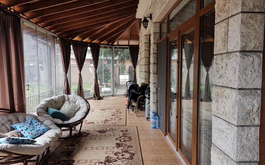 A 5 bed 2 bathroom villa with pool located at Ravda.