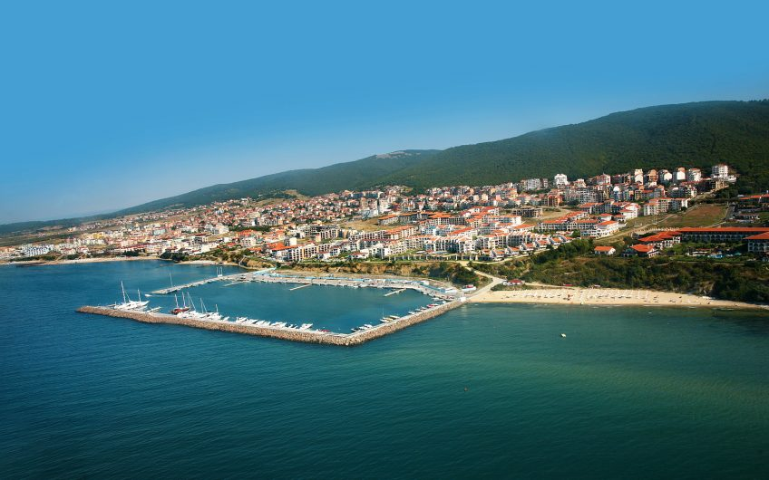 Sveti Vlas, A fabulous 2 bed 1 bathroom fully furnished ground floor apartment.